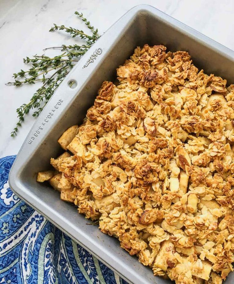 Baked delicious cinnamon Apple Crisp